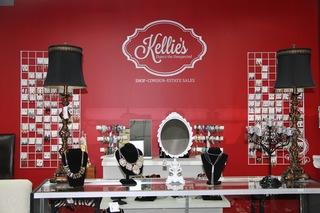 Kellie's Consignments celebrates new location