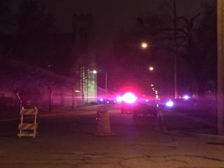Police clear standoff, murder suspect still...