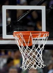 Pistons win 98-91 over Mavericks