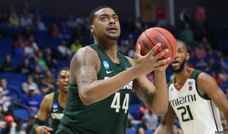 Ward leads furious rally past Miami, 78-58