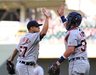 Tigers rout slumping Twins 13-4