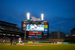 Napoli homers as Texas rolls 5-2 over Tigers