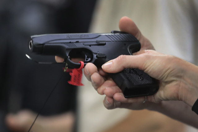 Bill would eliminate Michigan's pistol registration mandate
