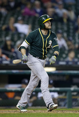 Lowrie's slam helps A's rally, beat Tigers 9-8