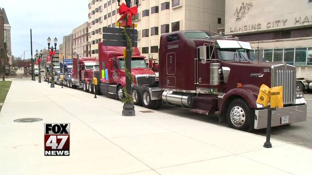 Truck drivers circle Capitol, honk during protest