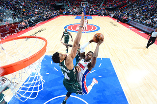 Pistons dominate inside, rout Bucks 110-87