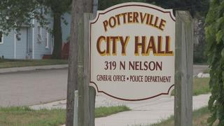 Potterville suspends city manager after...